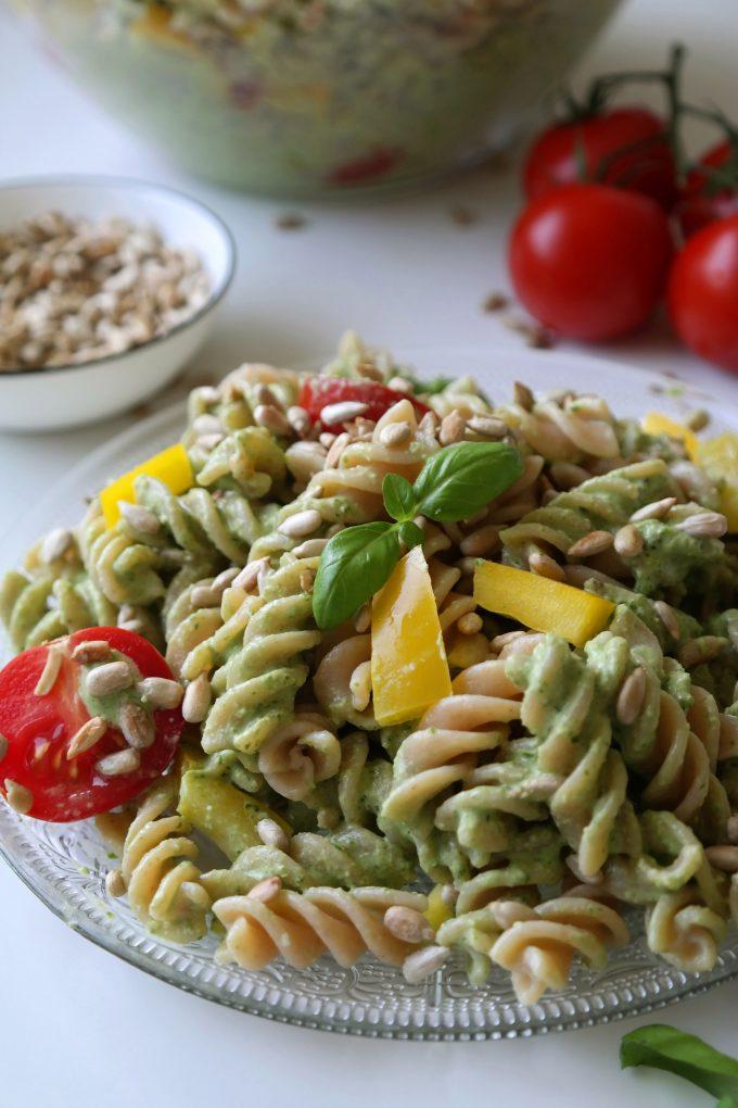 Pesto Nudelsalat Paprika Pasta Rezept vegan