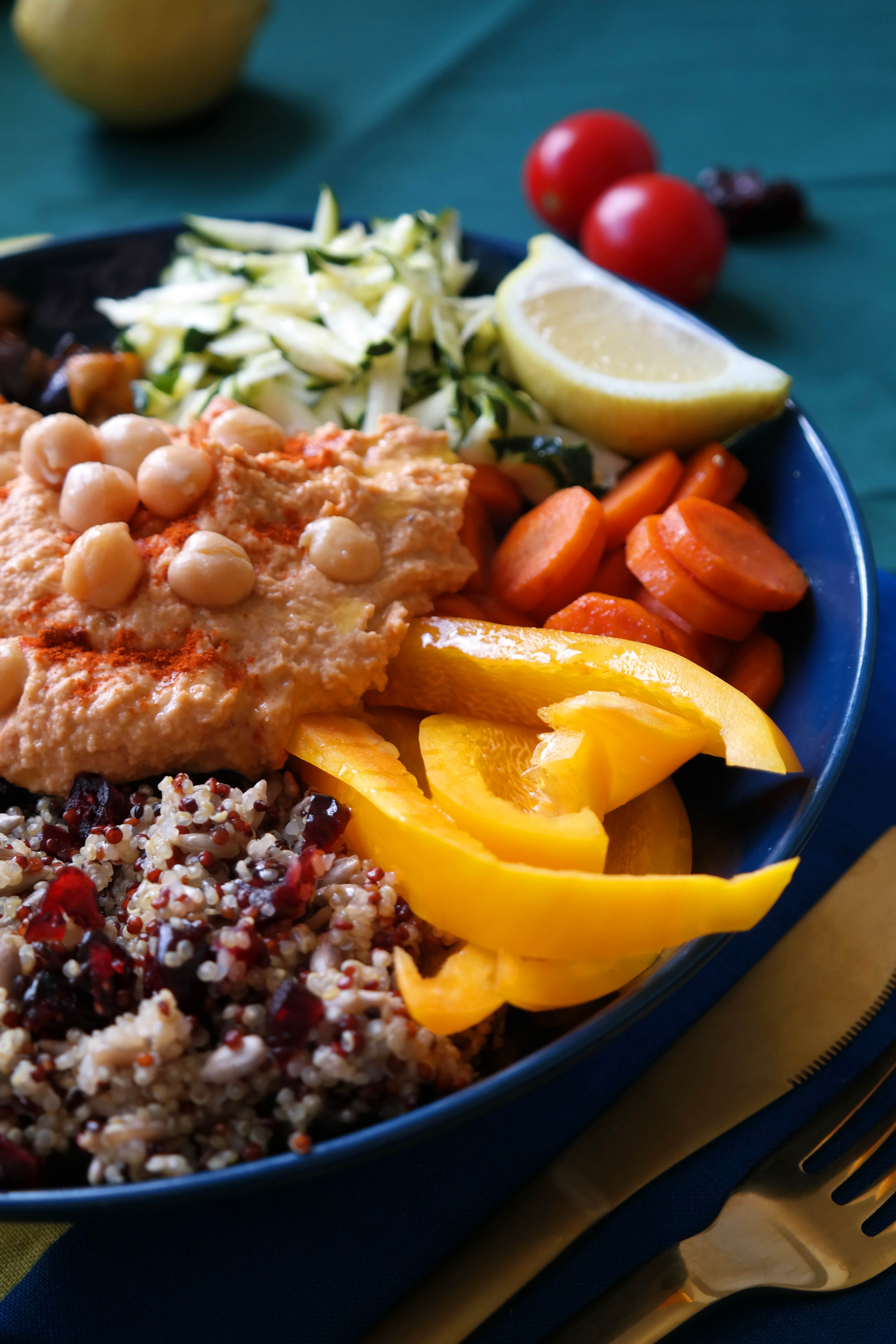 Quinoa Hummus Bowl Rezept Vegan