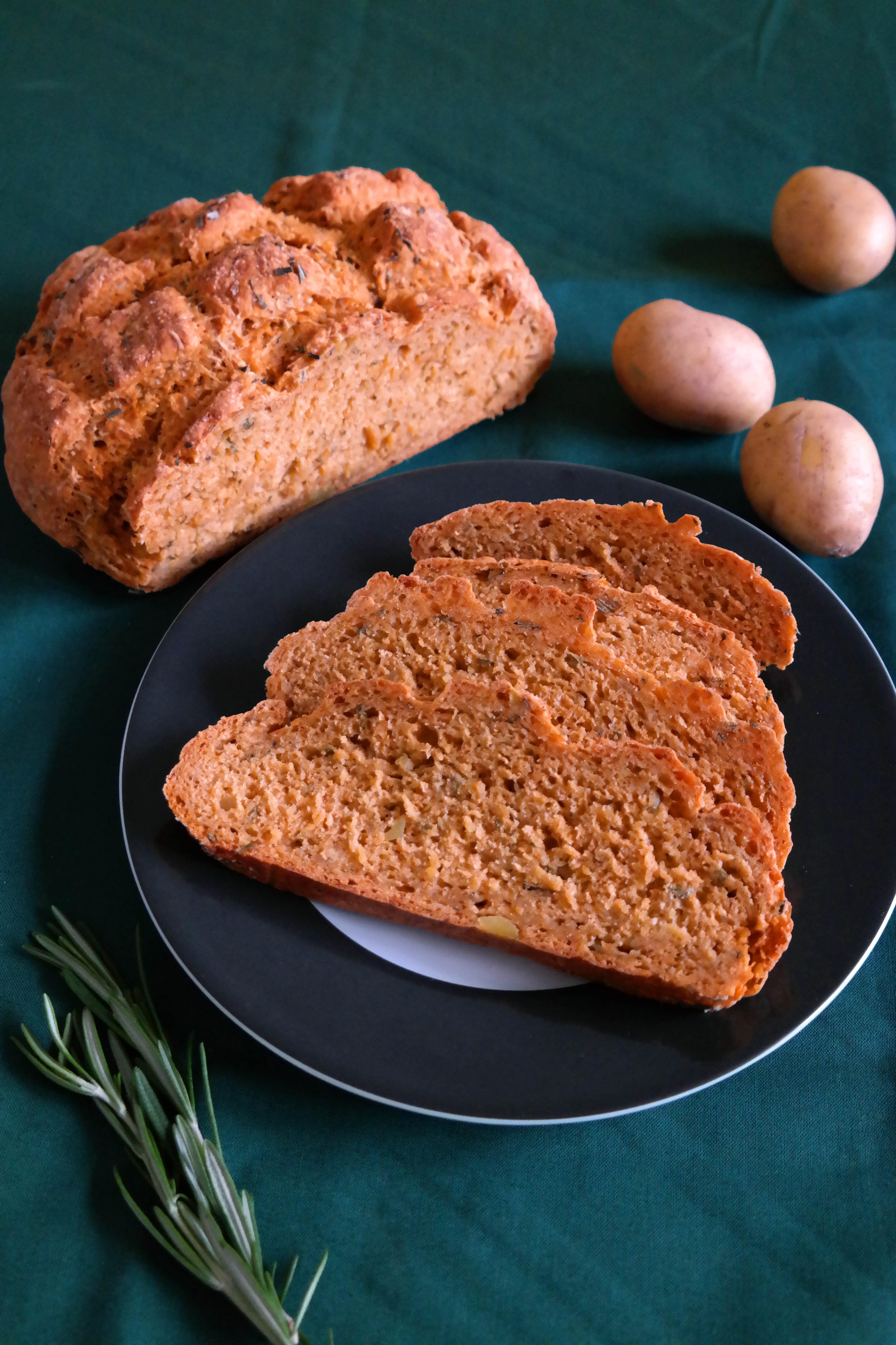 Kartoffel-Rosmarin Brot Rezept Vegan Hefefrei